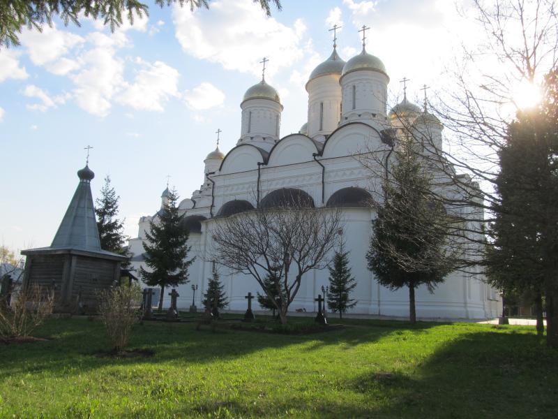 Мемориальный комплекс с арками и колонной Дорогобуж купить памятник на могилу в воронеже